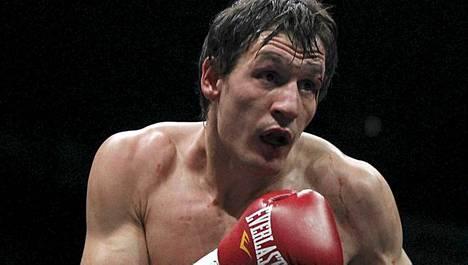 Amin Asikaisella on vielä paljon annettavaa Suomen nyrkkeilylle. Mutta vain kehän ulkopuolella.