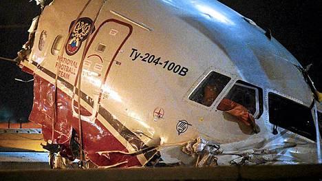 Red Wings -yhtiön TU-204 oli Venäjän jalkapallomaajoukkueen käytössä pitkään vuosina 2008-2010.