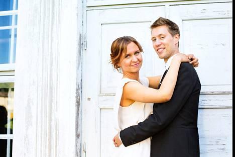 Esa ja Viola ovat edelleen onnellisesti naimisissa.