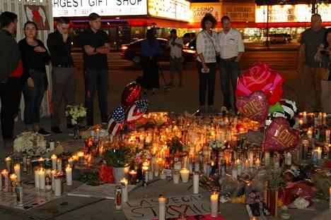 Las Vegasin Stripille on syntynyt kynttilämeri, jonka ääreen ihmiset tulevat hiljentymään.