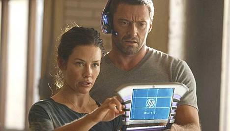 Evangeline Lillyn rinnalla nähdään Hugh Jackman.