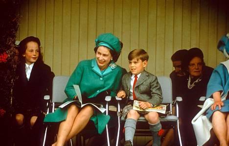Pikkuprinssi Andrew oli tiettävästi kuningattaren suosikkilapsi.