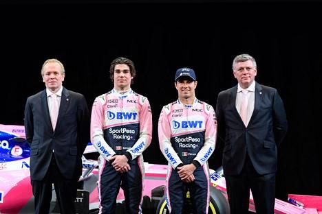 Racing Pointin tekninen johtaja Andrew Green (vas.) ei usko tallinsa rikkoneen sääntöjä. Kuvassa vasemmalta lukien myös tallin kuljettajat Lance Stroll ja Sergio Perez sekä tallipäällikkö Otmar Szafnauer.