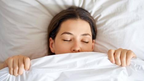 Nyt julkaistussa tutkimuksessa tutkijoilla oli käytettävissään aktiivisuusrannekkeilla mitattua tietoa yli 120000 henkilön nukkumisesta kahden vuoden ajalta.