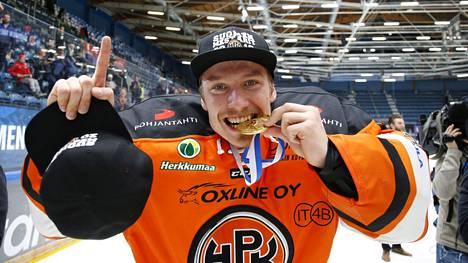 Emil Larmi voitti Suomen mestaruuden HPK:n ykkösvahtina keväällä 2019.