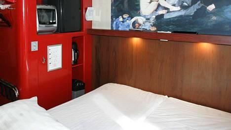 Omenahotelli välttää huoneissa helposti varastettavaa irtaimistoa.