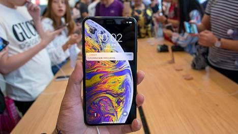Applen puhelimien hinta ei juuri laske ajan myötä.