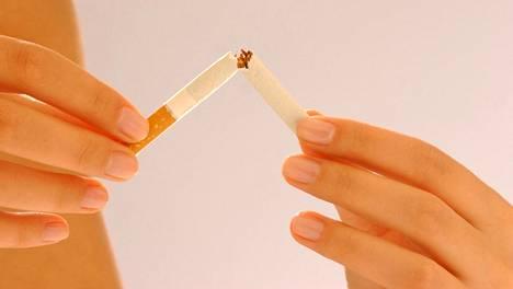 WHO:n arvioiden mukaan tupakkaan kuolee vuosittain noin 6 miljoonaa ihmistä, vaikka kehitys on suotuisaa.