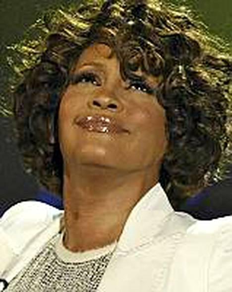 Whitney Houston on parhaillaan sairaalassa Pariisissa.