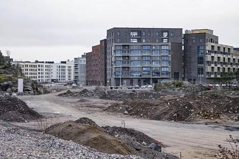 Kruunuvuorenrannan rakennusvaiheessa olevat kadut houkuttelevat kaahareita alueelle.