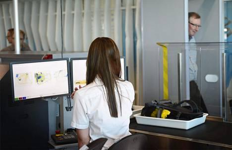 Turvatarkastus sujuu jouhevasti, jos matkustaja on tietoinen määräyksistä.