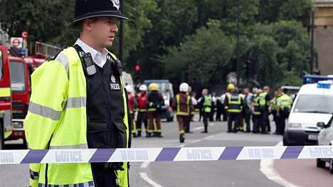 Tuhoisin isku Britanniaan tehtiin vuonna 2005. Silloin Lontoossa kolmeen metrovaunuun ja linja-autoon tehdyissä itsemurhaiskuissa sai surmansa 56 ihmistä ja yli 700 haavoittui.