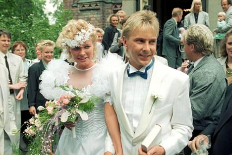 Matin ja Pia Hynnisen häitä tanssittiin 1989.