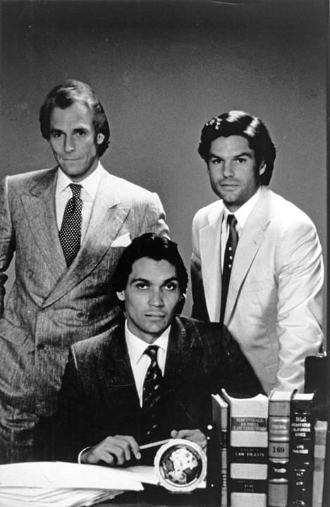 L. A. Law -sarjan asianajajia näyttelivät myös Corbin Bernsen (vas.), Jimmy Smits (kesk.) ja Harry Hamlin (oik.).