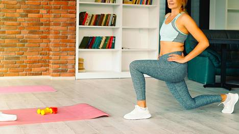 Ikääntyessä lihasmassa vähenee, mutta kehitykseen voi vaikuttaa voimaharjoittelulla.