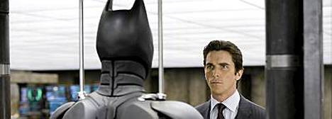 Christian Bale palaa uuden Batmanin nimirooliin.