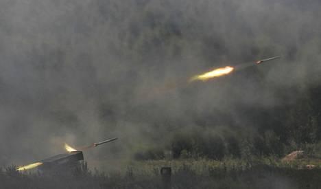 Venäjän Tornado-G -raketinheitintä esiteltiin viime elokuussa. Venäjä on mielellään esitellyt sotilasvoimaansa viime aikoina.