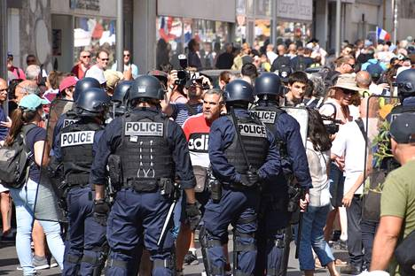 Tuhannet osoittivat mieltään koronapassia vastaan Marseillessa 18. syyskuuta
