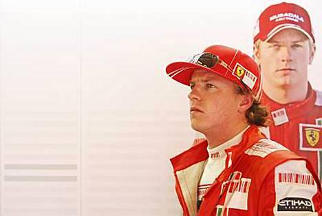 The Sun -lehden mukaan Ferrari pyrkii edelleen eroon Kimi Räikkösestä jo tämän kauden jälkeen, vaikka suomalaiskuljettajalla on sopimus vielä ensi kaudesta.