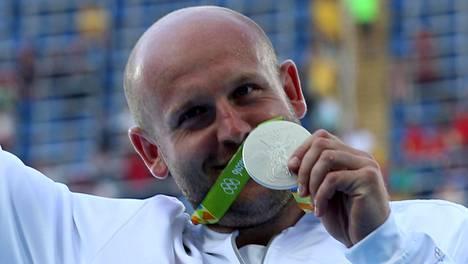 Puolalainen Piotr Malachowski voitti kiekonheiton olympiahopeaa Riossa.