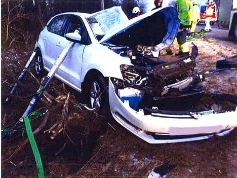 Auto romuttui täysin