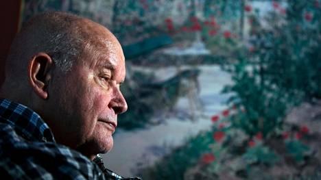 80-vuotias Lasse katuu vaimonsa jättämistä.