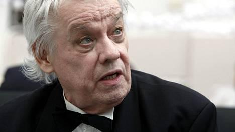 Seppo Ruohosen oli tarkoitus esittää juhlakonsertissaan läpileikkaus koko urasta. Hän sanoo olevansa tällä hetkellä 4–5 laulun kunnossa.