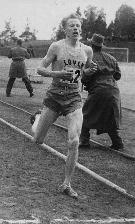 Naantalin Löylyä koko uransa ajan edustanut Olavi Vuorisalo valittiin vuonna 1957 Suomen Vuoden urheilijaksi.