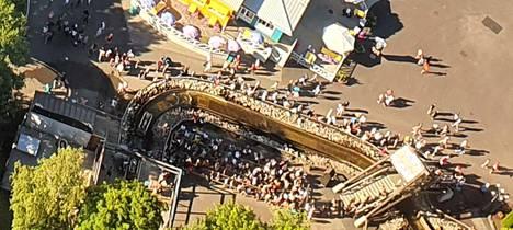 Särkänniemessä oli keskiviikkona kesän kävijäennätys, noin 7000 vierailijaa.