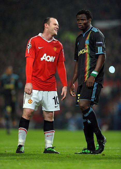 Taye Taiwo on urallaan nähnyt paljon. 2011 hän pelasi Mestarien liigan pudotuspelejä Marseillessa. Vastassa Old Traffordilla oli ManUn Wayne Rooney.