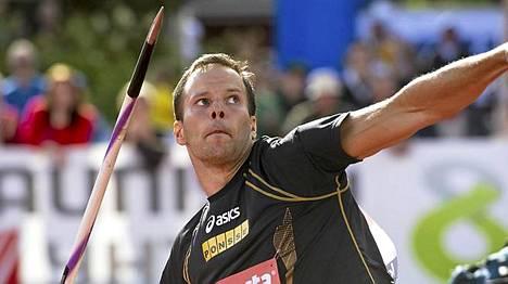 Tero Pitkämäki heitti kauden parhaansa.