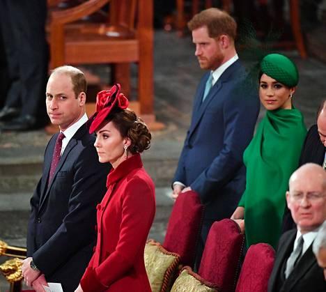 Huhut Williamin ja prinssi Harryn jäisistä väleistä, samoin kuin herttuatar Catherinen ja herttuatar Meghanin välirikosta velloivat vahvoina.