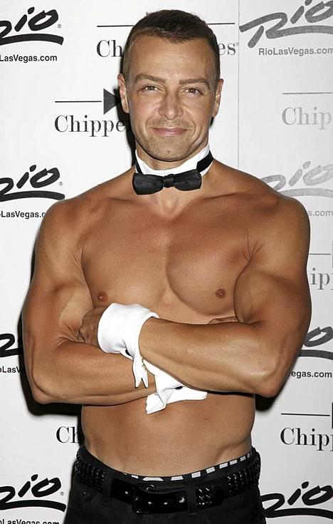 Joey Lawrence debytoi Chippendales-tanssijana Las Vegasissa.