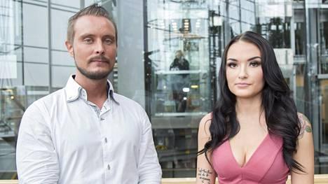 Sonja ja Jonne poseerasivat medialle tiistaina.