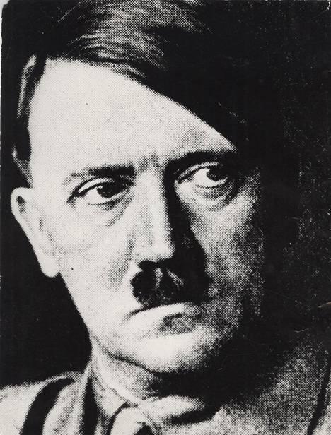 Adolf Hitler nousi valtaan Saksassa vuonna 1933. Hänen vaarallisuuttaan ei heti arvattu ulkomailla.