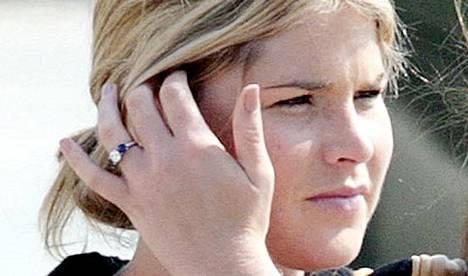 Jenna Bush astuu avioon toukokuun 10. päivänä.