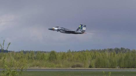 F-15 Eagle -hävittäjät tulivat Oregonista Yhdysvaltojen länsirannikolta Suomeen harjoittelemaan ilmataistelua.