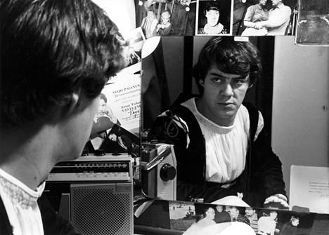 Aake Kalliala oli kuin Robert de Niro tv-sarjassa Hämähäkki vuonna 1982.