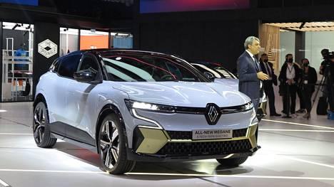Renault Mégane E-Tech Electric on nykyistä Méganea koriltaan vähän pienempi ja tulee markkinoille 40 tai 60 kWh:n ajoakulla varustettuna. Keväällä 2022 Suomeen saapuvan sähköauton hinnat saattavat alkaa vajaasta 30000 eurosta.
