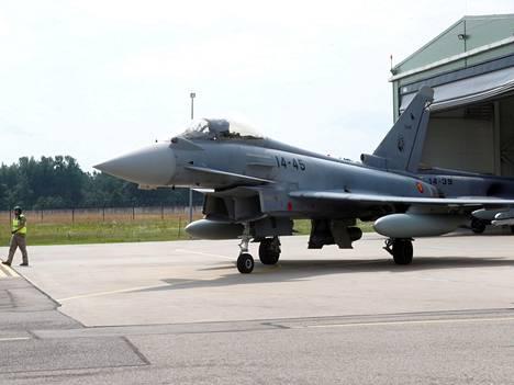 Tämä Eurofighter Typhoon on Espanjan Ilmavoimien kone.
