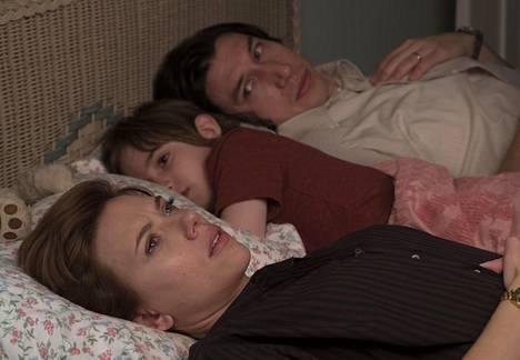 Draama Marriage Story toi Oscar-ehdokkuudet sekä Scarlett Johanssonille että Adam Driverille. He näyttelevät eroavaa avioparia.