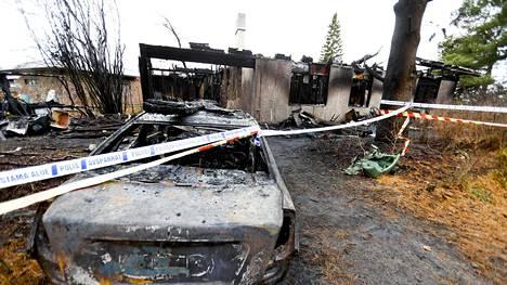 Tulipalossa tuhoutunut omakotitalo Kangasalla 10. marraskuuta.