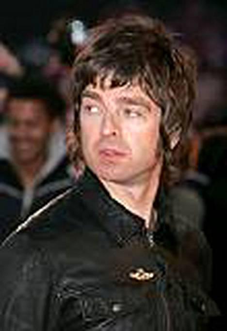 Noel Gallagher hääti koiravarkaat.