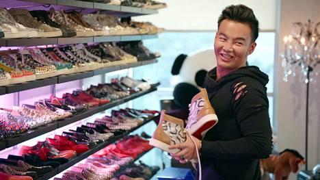 Kane omistaa satojentuhansien arvoisen kenkäkokoelman.
