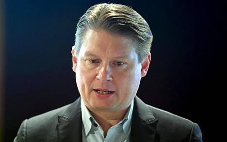 Finnairin toimitusjohtaja Topi Manner ei näe koronatilanteessa tapahtuvan yhtiölle helpotusta lähiaikoina.