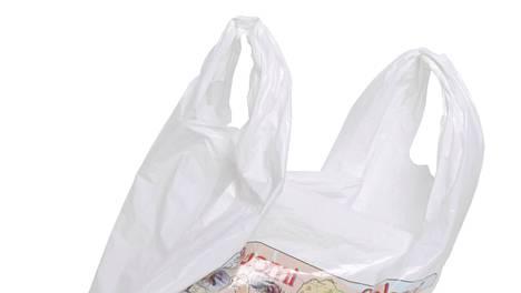 Muovipusseja voi kertyä, vaikka käyttäisi pääsääntöisesti kestokasseja.