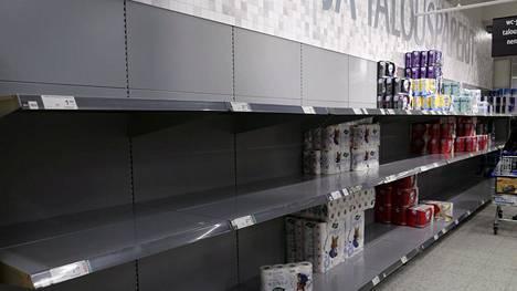 Vessapaperi ja talouspaperi teki kauppansa Ruoholahden K-Citymarketissa Helsingissä 12. maaliskuuta 2020.
