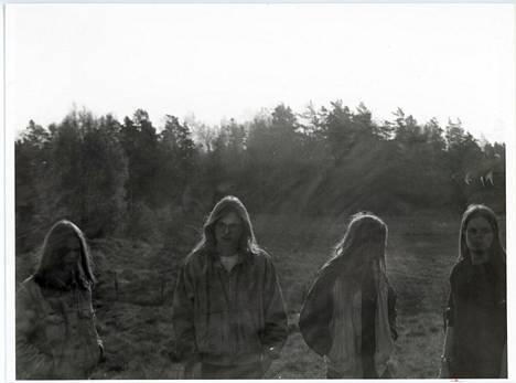 Xysma-yhtye death metal -aikoinaan 1980-1990-lukujuen vaihteessa. Svart Records on julkaissut yhtyeen death metal -ajoilta viiden vinyylialbumin boksin Repulsive Morbidity.