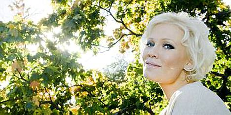 Linda Lampenius ei aio enää palata Suomeen asumaan.