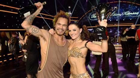 Pete Parkkonen voitti viimeisimmän Tanssii tähtien kanssa -tuotantokauden yhdessä tanssiparinsa Katri Mäkisen kanssa.